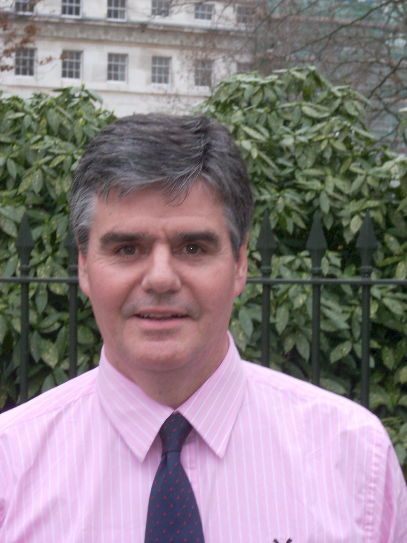 Clive Archer