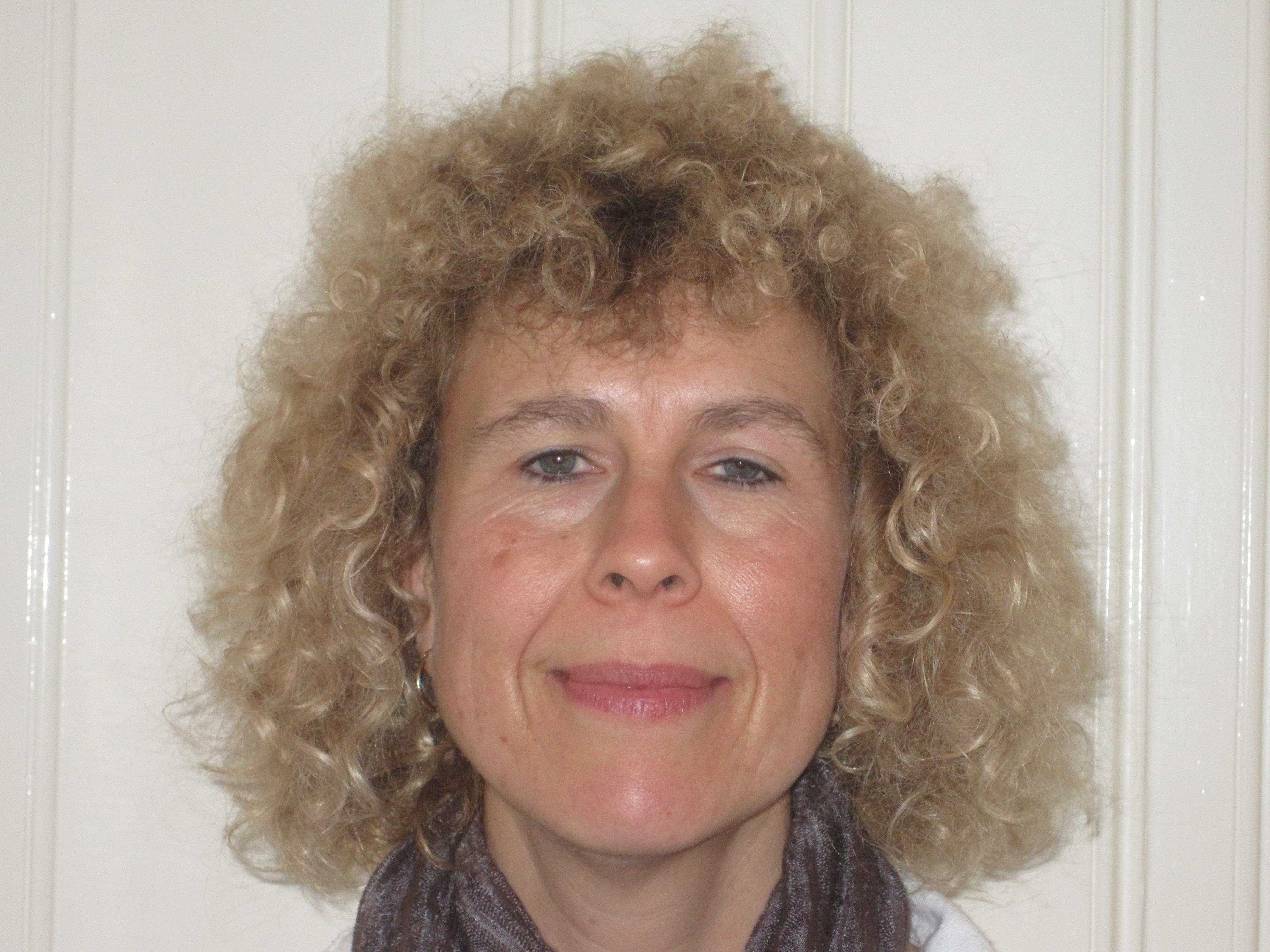 Dr Nicola Hembry