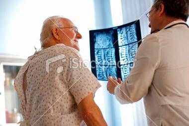 istockphoto_7927988-senior-patient
